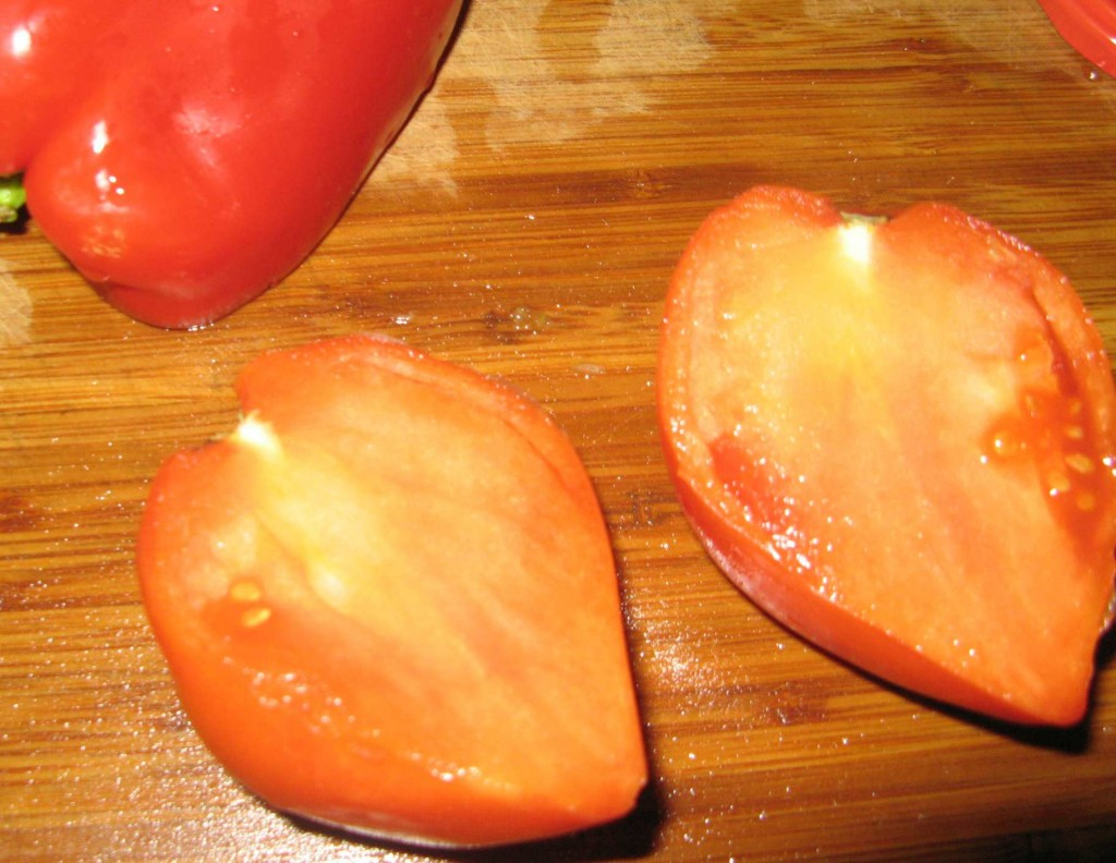в плодах почти нет семян