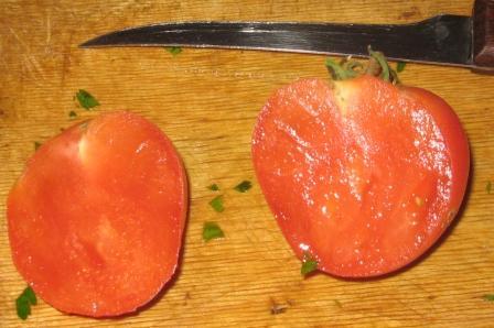 меньше сока - больше сладости в помидорах